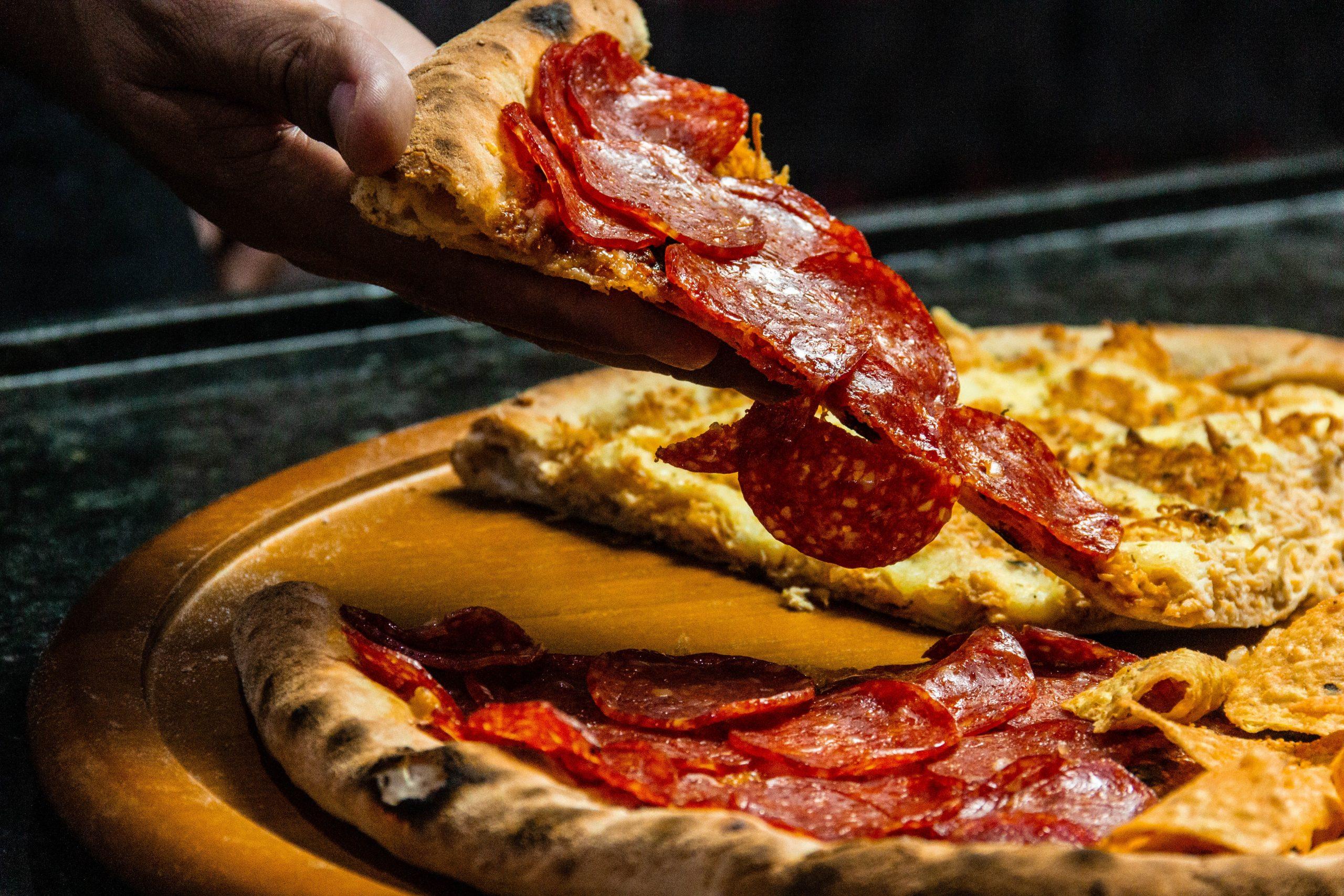 Rebanada de pizza pepperoni
