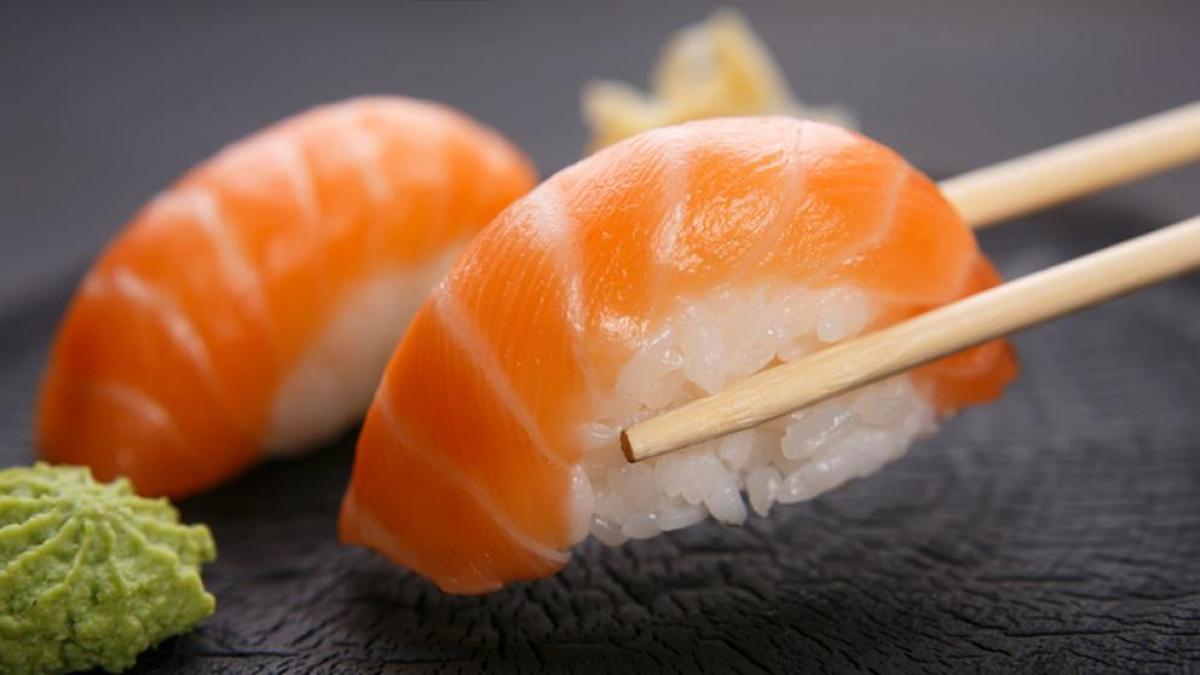 sushi de salmon